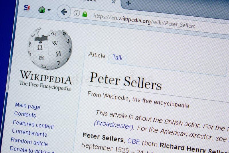 Ryazan, Rusland - Juli 09, 2018: Pagina op Wikipedia over Peter Sellers op de vertoning van PC stock afbeeldingen