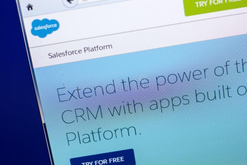Ryazan, Russland - 29. April 2018: Homepage von Salesforce-Website auf der Anzeige von PC, URL - Salesforce com lizenzfreie stockfotos