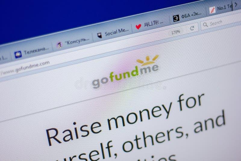 Ryazan Ryssland - Juni 05, 2018: Homepage av den GoFundMe websiten på skärmen av PC:N, url - GoFundMe com arkivfoton