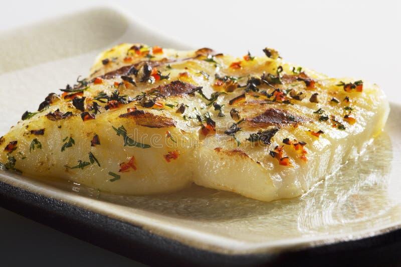 ryba piec na grillu zdjęcia royalty free