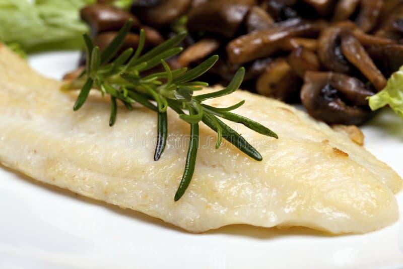 ryba piec na grillu podeszwa fotografia royalty free