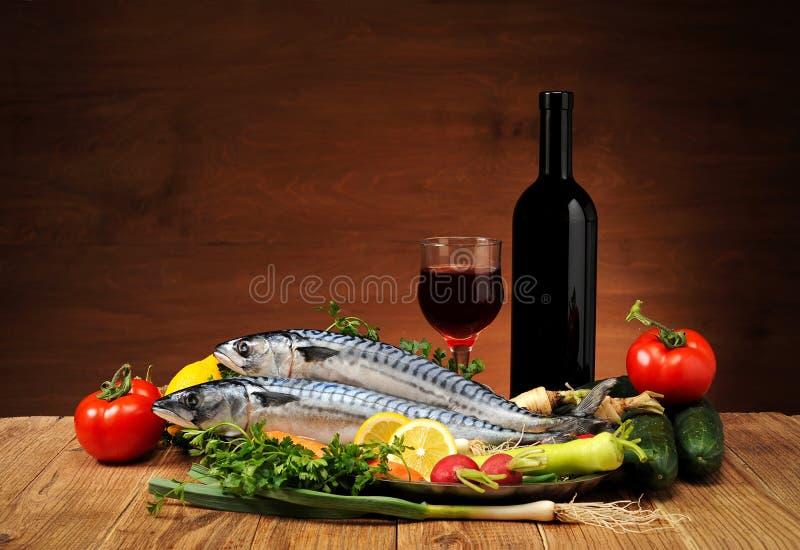 Ryba z warzywami i winem obraz royalty free