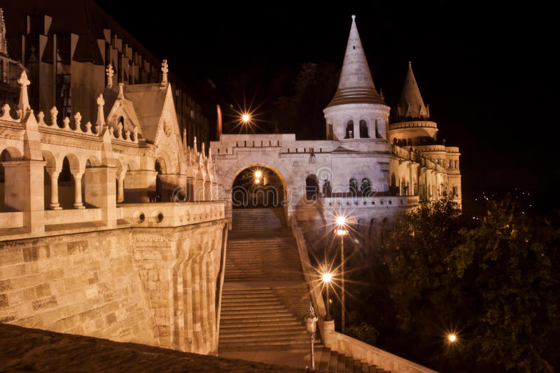 Rybaka bastion przy nocą, Budapest, Węgry obrazy stock