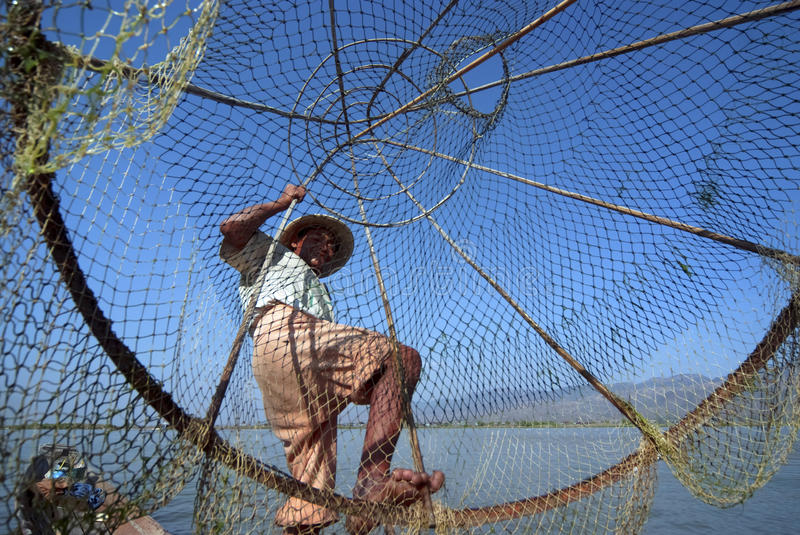 rybaka inle jezioro obraz stock