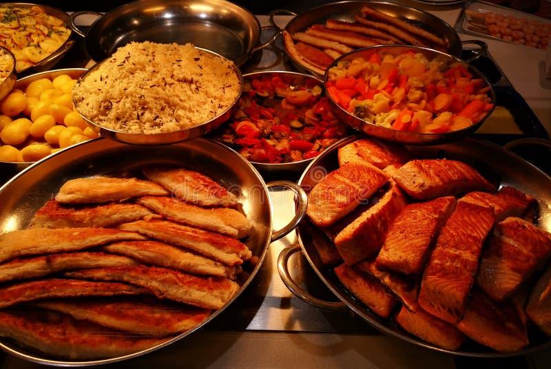 Rybie specjalność polędwicowe z warzywami i ryż zdjęcie stock