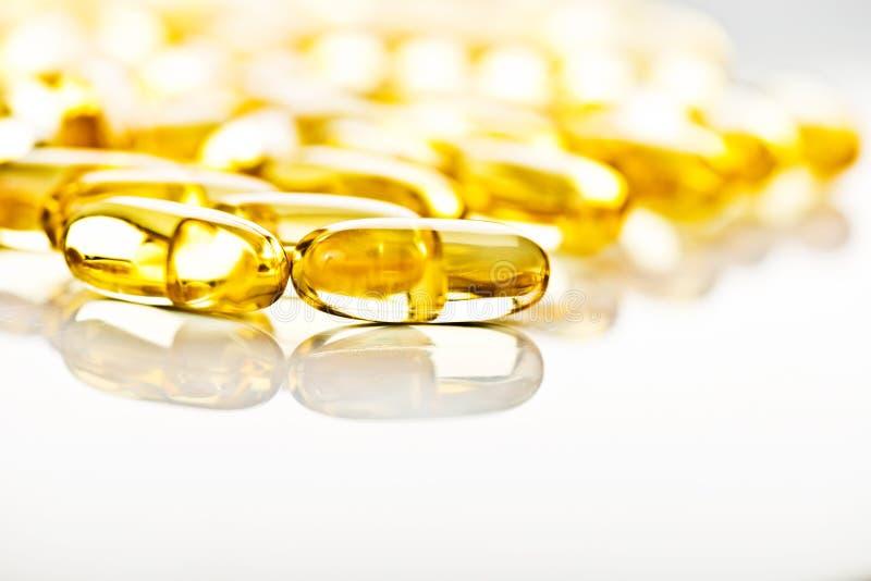 Rybiego oleju omega 3 gel kapsuły fotografia stock