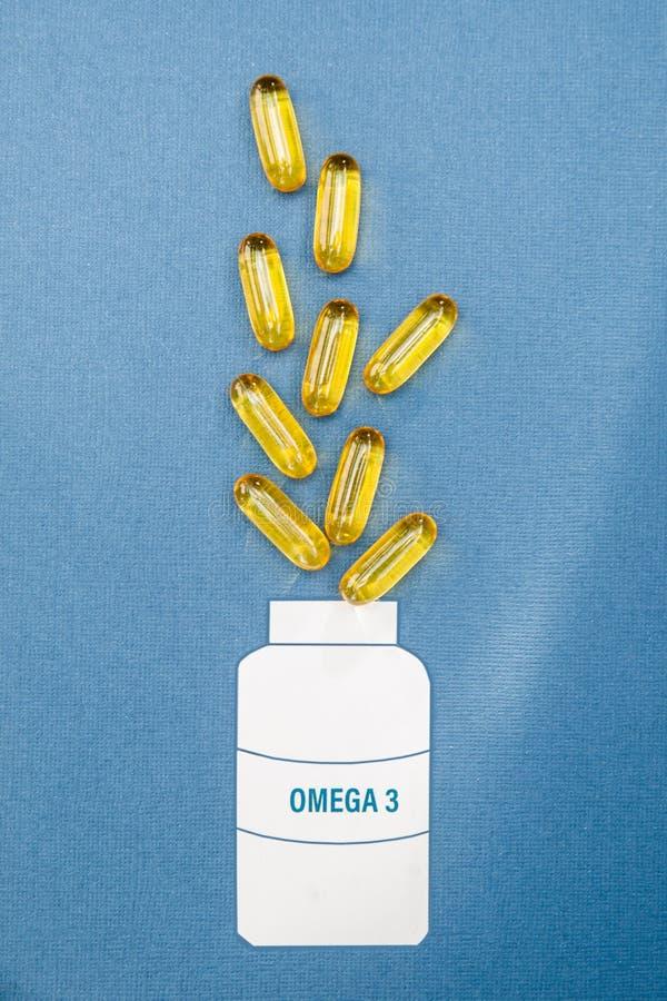 Rybiego oleju omega 3 mi?kkiej gel kapsu?y pigu?ki, zdrowego produkt i nadprograma poj?cie zamkni?ta w g?r?, zdjęcie royalty free