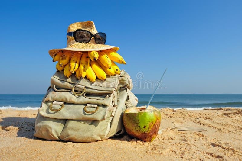 Strand, ryggsäck. Hatt, frukt, strand, sandig, ryggsäck.