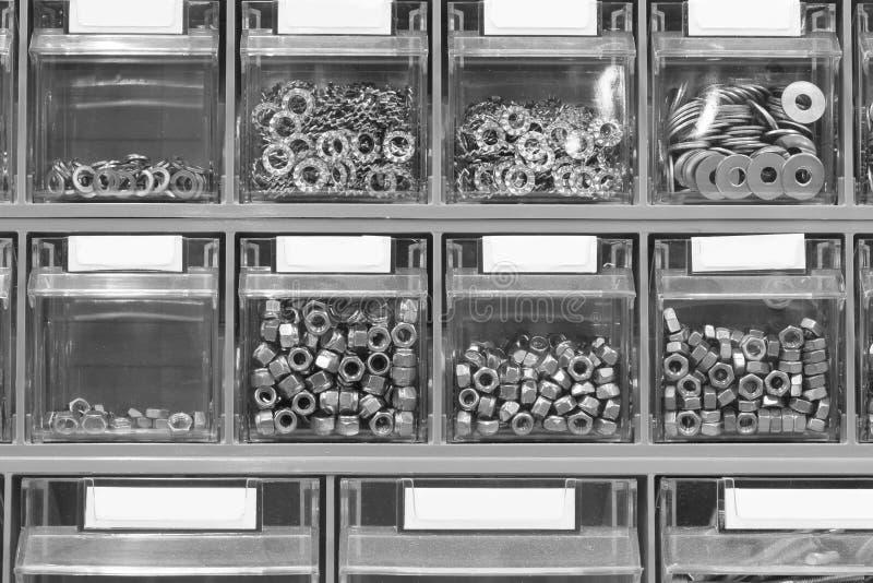 rygle i śruby w narzędzia sklepie obrazy royalty free