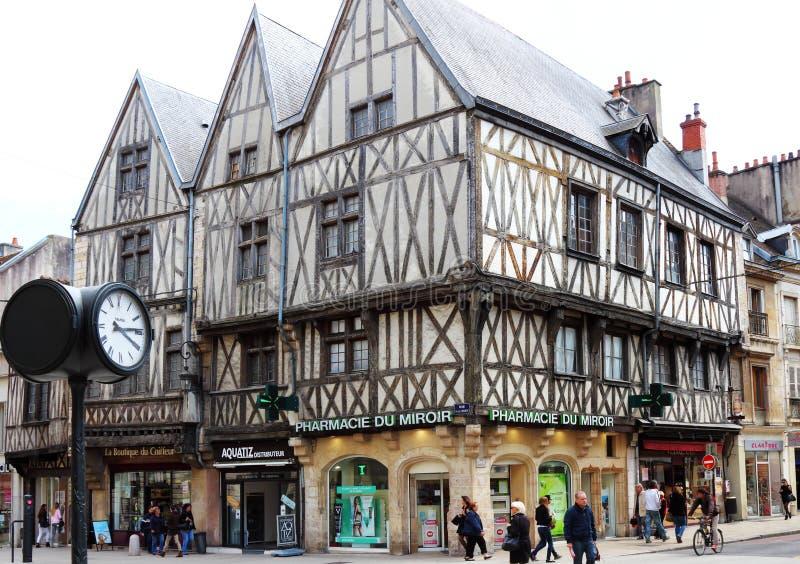 Ryglowi domy w swobody ulicie, Dijon, Francja zdjęcia royalty free