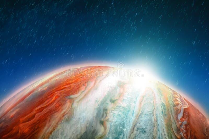 Rymdfart längs omloppet av Jupiter i rotationen av himlen och stjärnorna, ljus på horisonten av planeten Beståndsdelar av royaltyfri fotografi