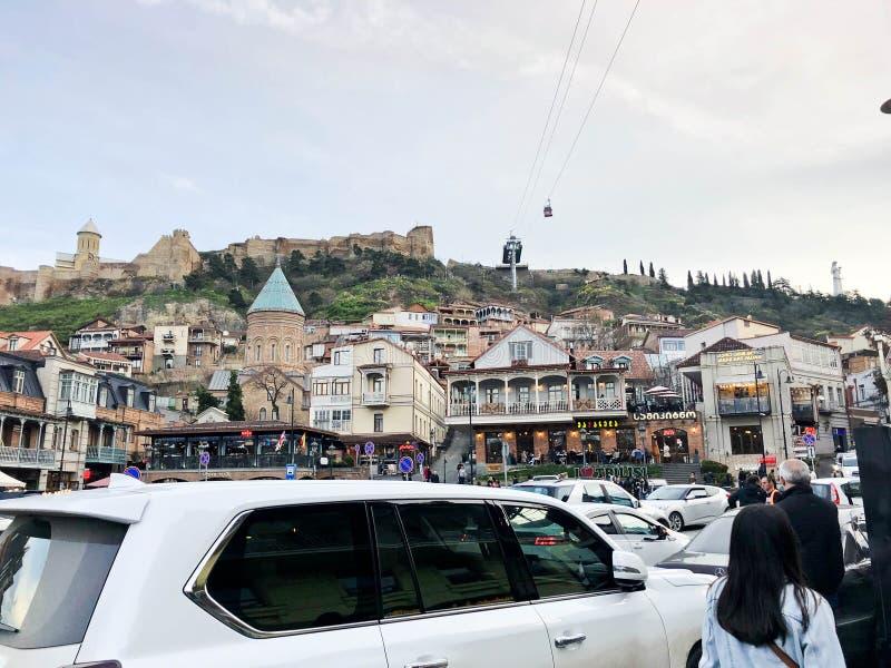 Rynek Gruziński miasto w centrum z samochodami, budynkami, restauracjami i sklepami, Gruzja, Batumi, Kwiecień 17, 2019 zdjęcie stock