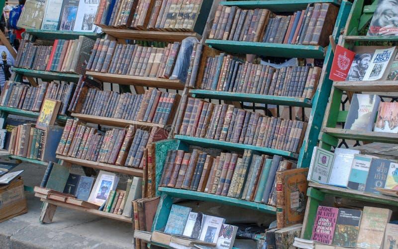 Rynek stare książki W Hawańskim obrazy stock