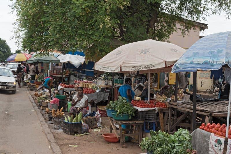 Rynków kramy i sprzedawcy w Livingstone, zambiowie zdjęcie royalty free