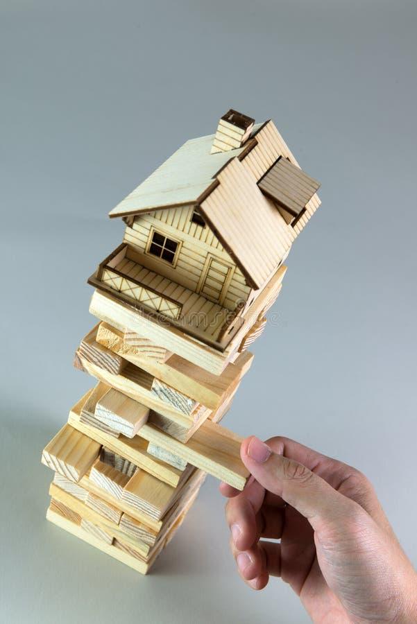 Rynku budownictwa mieszkaniowego zawalenie się zdjęcia stock