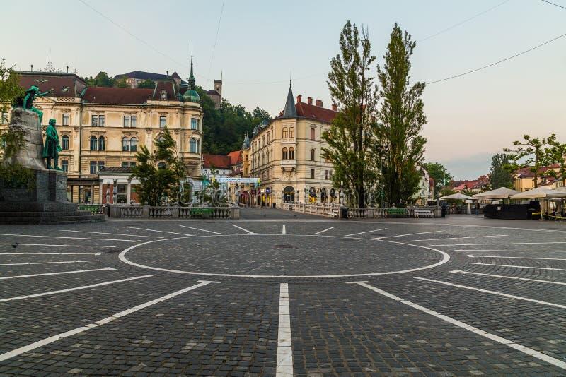 Rynku, Ljubljana kasztelu i trójki mosty w Ljubljana, zdjęcie royalty free