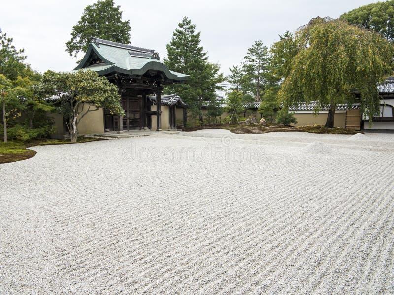 Ryozen Kannon纪念品的小卵石庭院 库存照片