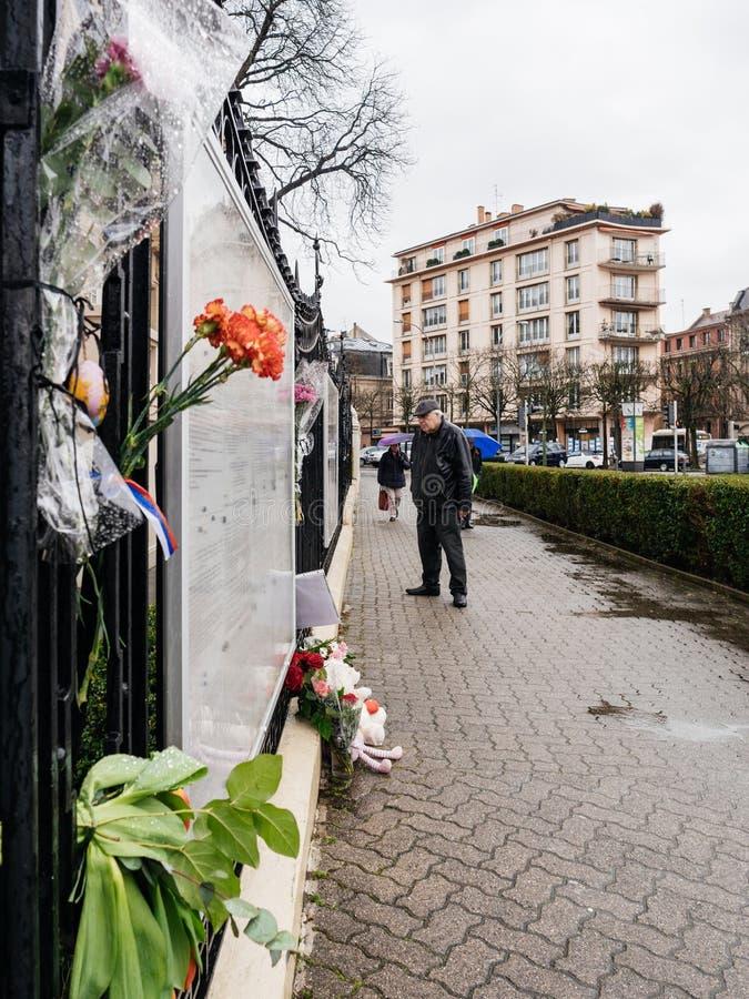 Rysk konsulatambassadsorg av offer av brand på Zimnyay royaltyfria foton