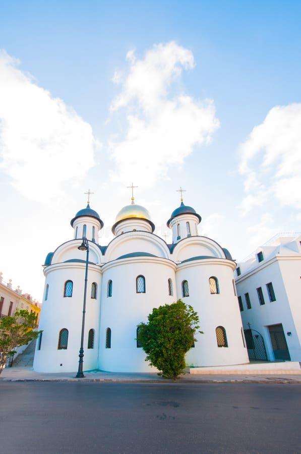 Rysk ortodox kyrka i gammal havannacigarr royaltyfri fotografi