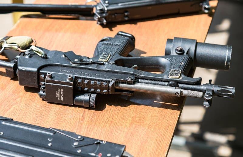 Ryska skjutvapen Kulsprutepistol PP-2000 arkivfoton
