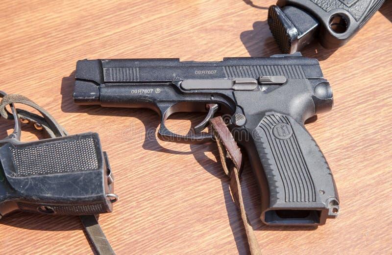Ryska skjutvapen Pistol av Yarygin PYa, MP-443 Grach royaltyfria bilder
