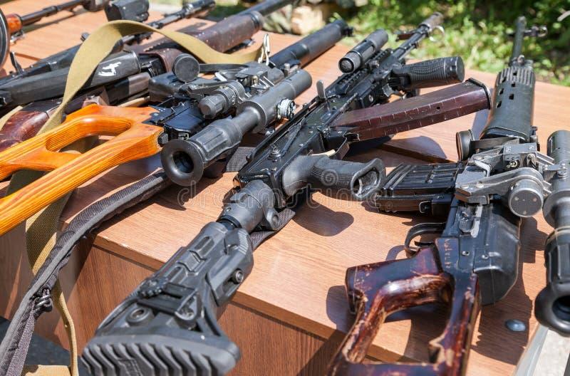 Ryska vapen arkivbilder