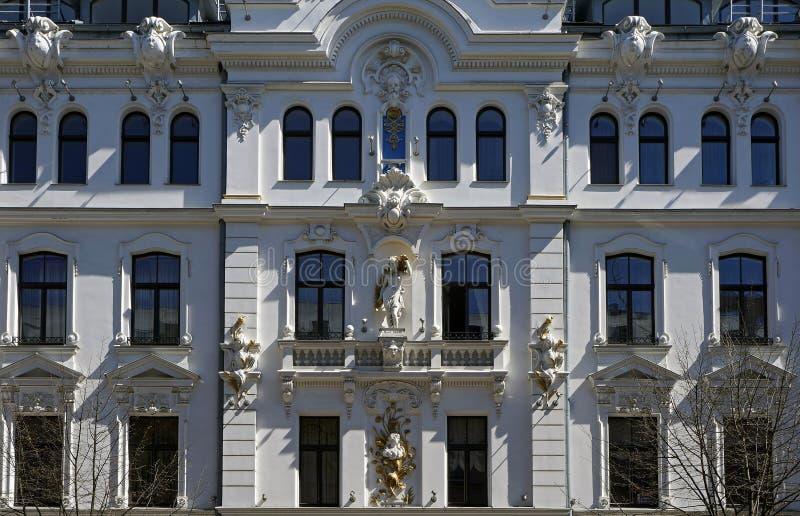 Ryski, Ausekla, 4, w historycznym budynku z elementami eklektyzm Nouveau i sztuka zdjęcia stock