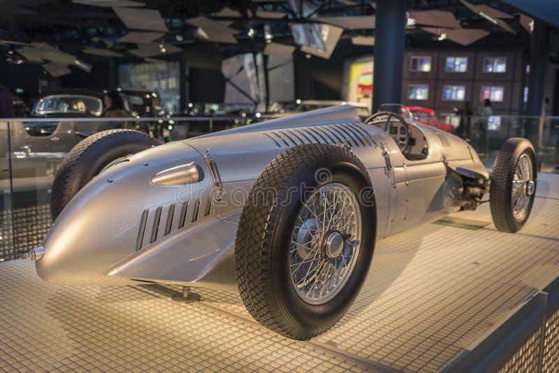 RYSKI, luty 18, 2019: 1936 Auto zjednocze? V16 w Ryskim Motorowym muzeum obrazy royalty free