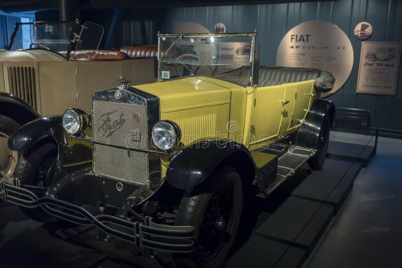 RYSKI, luty 18, 2019: 1926 Fiat 503 petarda w Ryskim Motorowym muzeum obraz stock