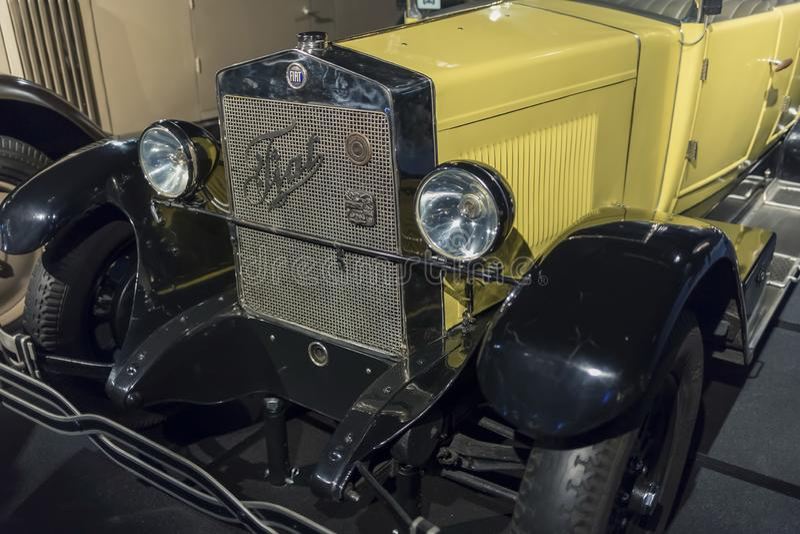 RYSKI, luty 18, 2019: 1926 Fiat 503 petarda w Ryskim Motorowym muzeum obrazy royalty free