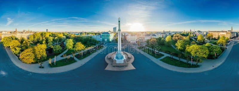 Ryskiego miasta Milda trutnia 360 vr Stary Grodzki Pomnikowy widok zdjęcie royalty free