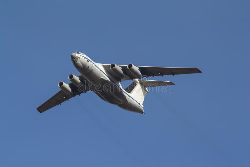 Ryskt transportflygplan IL-76 arkivbild