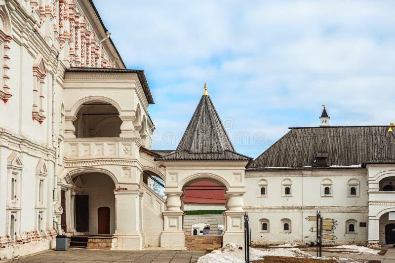 Ryssland, den Ryazan Kreml, omgestaltningPreobrazhensky domkyrka och Spaso-Preobrazhensky kloster arkivfoton