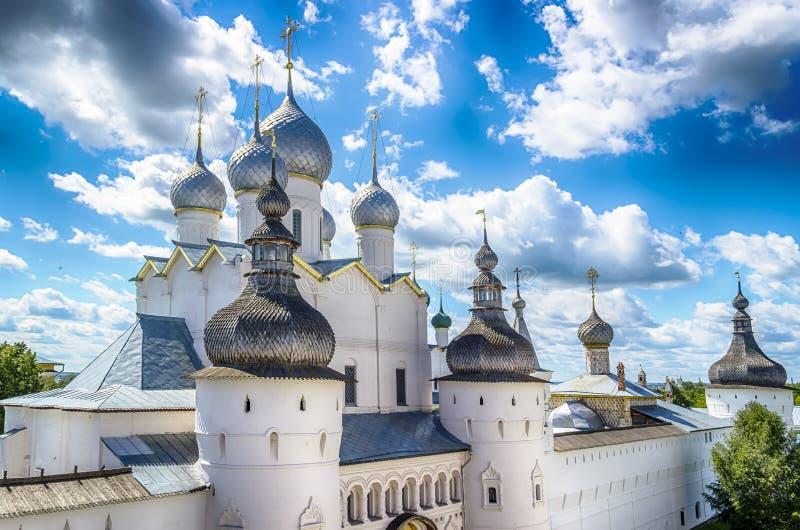 Ryssland för Rostov KremlYaroslavl oblast guld- cirkel arkivbild