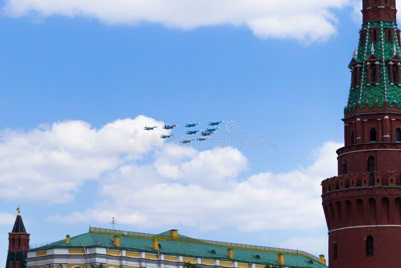 Ryssland Moskva, Maj 7, 2016 - repetition av ståta på röda Squ arkivbild