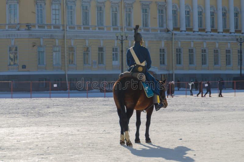 Ryssland St Petersburg, Februari 27, 2018 - en rekonstruktion, nolla royaltyfria bilder