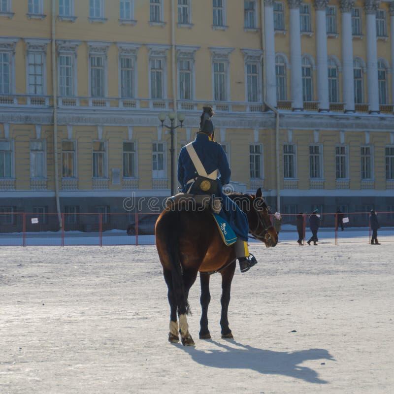 Ryssland St Petersburg, Februari 27, 2018 rekonstruktion, Russ royaltyfria foton