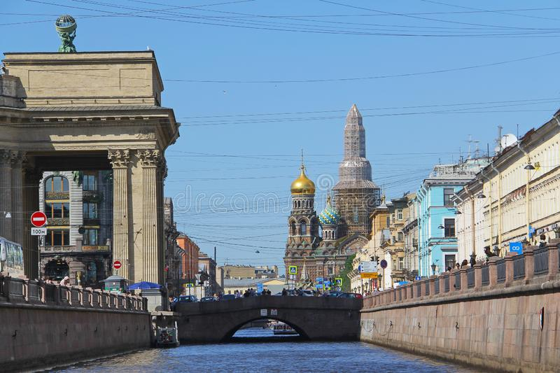 Ryssland St Petersburg Griboyedov kanal m?naden av Maj royaltyfri fotografi