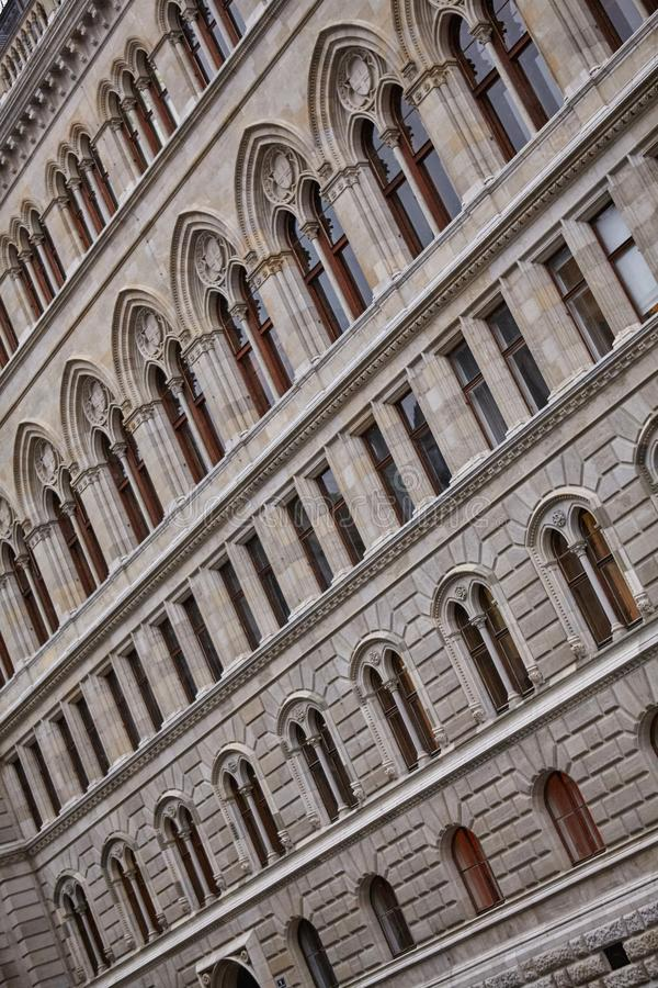 Rythme dans l'architecture du bâtiment Photographie abstraite du bâtiment de façade photos libres de droits