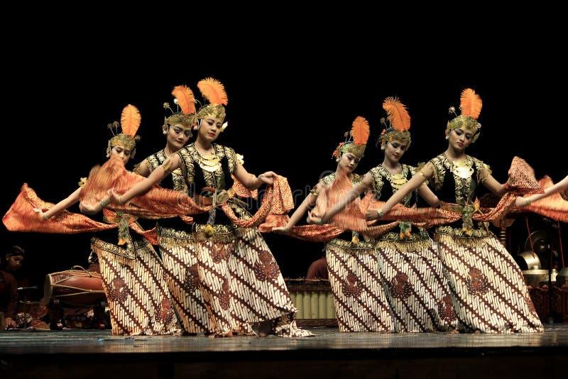 Rytmicznego ruchu Klasyczny taniec Yogyakarta zdjęcie stock
