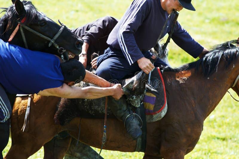rywalizacj koni kokpar koczownik tradycyjny zdjęcia royalty free