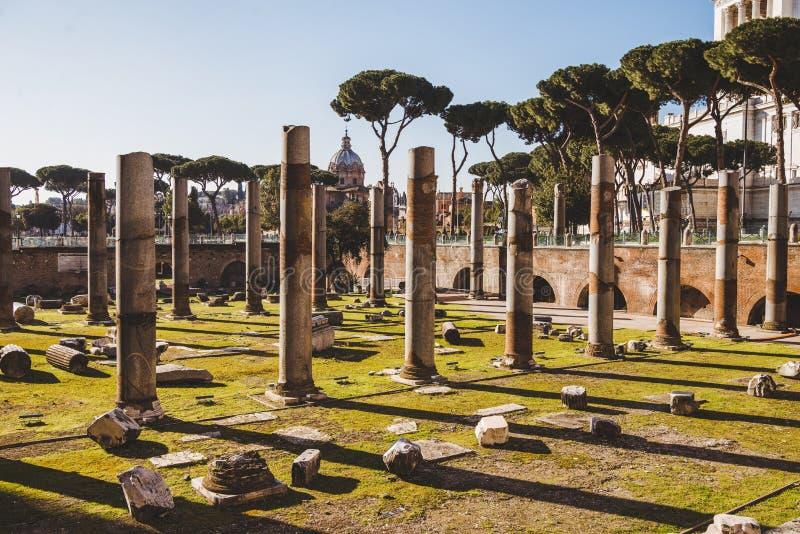 rząd filary przy rzymskim fotografia royalty free