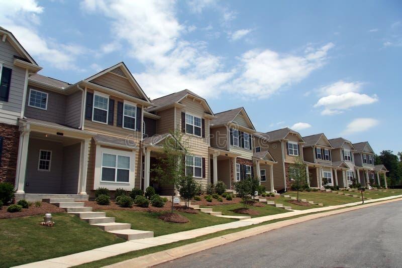 rząd kondominium nowe domy komunalne fotografia stock