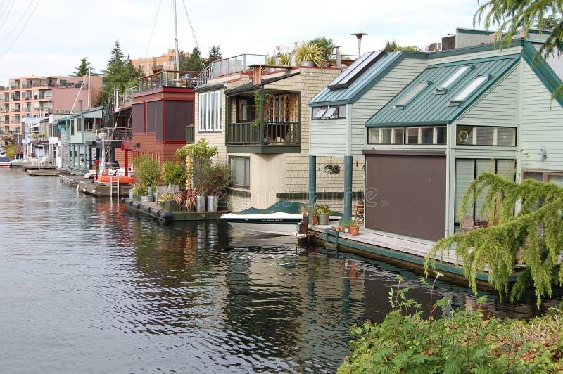 Rząd luksusowi houseboats zdjęcia royalty free