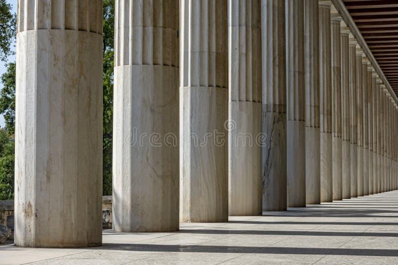 Rząd Marmurowe kolumny budynek zdjęcie stock