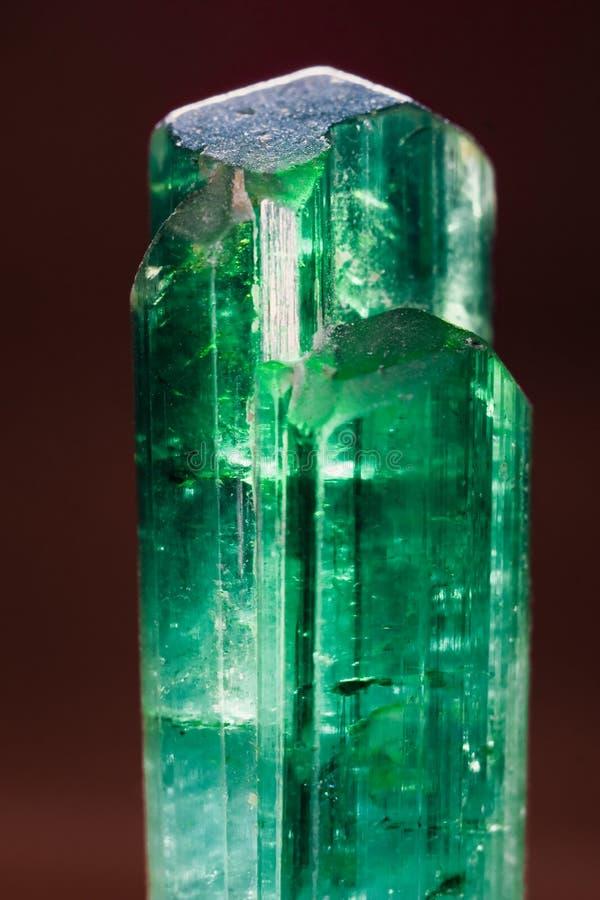Rzadki uncut zielony turmaline gemstone od Pakistan obrazy stock