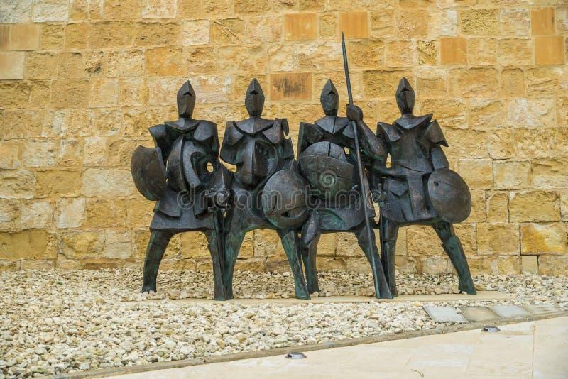 Rzeźba średniowieczni wojowników rycerze Malta, fortu St Elmo Wojenny muzeum, Valletta, Malta fotografia stock
