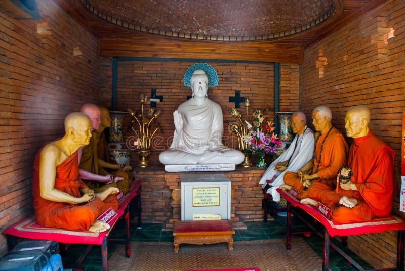 Rzeźba Buddha i michaelita świątynny Thailand Chiangmai obrazy royalty free