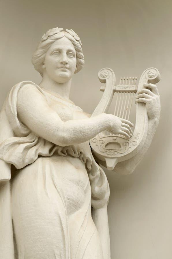 Rzeźba kobieta z lirą obraz stock