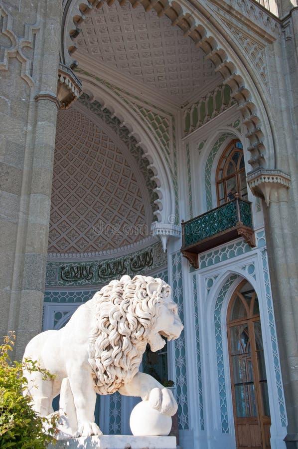 Rzeźba lew w Vorontsov pałac w Crimea zdjęcie royalty free